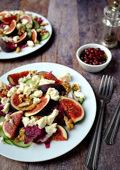 A wonderful salad for the cold days: fig salad with feta, walnuts and a fruity pomegranate dressing. Quick and easy to prepare. A small vitamin boost in the winter Feigensalat mit Feta, Walnüssen & Granatapfel-Dressing Easy Salad Recipes, Easy Salads, Quick Recipes, Easy Healthy Recipes, Beef Recipes, Vegetarian Recipes, Easy Meals, Cooking Recipes, Kitchen Recipes