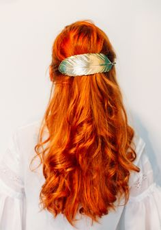 Beauty: Three Ways To Wear An Extra Large Barrette