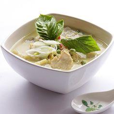 Curry Verde de Pollo Fresco, Soup, Ethnic Recipes, Rice Noodles, Cooking Recipes, Thai Salads, Chicken Curry, Fresh