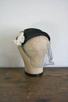 59b258c3752 vintage 50s hat MAGNOLIA black straw capulet hat by MsTips