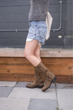 Frye Harness 12R Boots ~ the perfect boots that only get better with age! #fryeboots #fashion #style #boots #loveit #bootseason