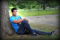 click the pic to see photography inspiration for Senior boys and pictures with posing, football ideas, clothing
