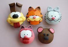 Garfield and friends cupcakes Custom Cupcakes, Fondant Cupcakes, Easter Cupcakes, Fun Cupcakes, Birthday Cupcakes, Cupcake Cakes, Cupcake Toppers, Decorated Cupcakes, Themed Cupcakes