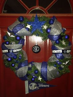 DIY Dallas Cowboys Christmas wreath
