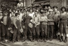 """Lane Mill: November New Orleans, Louisiana. """"Group of workers in Lane Cotton Mill showing the youngest workers and typical of conditions in New Orleans. Violations of the law are rare."""" Photo by Lewis Wickes Hine. Iconic Photos, Rare Photos, Vintage Photographs, Old Photos, Vintage Photos, Group Photos, Belize City, Civil Rights March, Journey To The Past"""