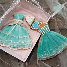 Meringue Cookies, Cookie Frosting, Iced Cookies, Cute Cookies, Royal Icing Cookies, Cupcake Cookies, Sugar Cookies, Cookies Et Biscuits, Cupcakes