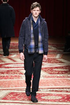 http://www.style.com/slideshows/fashion-shows/fall-2015-menswear/missoni/collection/3