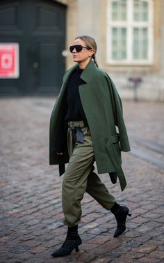 Copenhagen fashion week: How the street style set is nailing dressing for cold weather Celine Aagaar Italian Street Style, Nyc Street Style, Rihanna Street Style, European Street Style, Autumn Street Style, Casual Street Style, Street Style Women, Winter Fashion Street Style, Italian Style Fashion