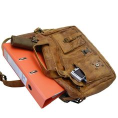 Mens Shoulder Bags – Briefcase JADEN brown Rugged-Hide-Leather – a unique product by Ledertaschenshop24 on DaWanda