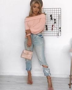 """636553e99b9b 𝕮𝖍𝖆𝖗𝖑𝖎𝖊 on Instagram: """"Sorry Mean Girls, I wear pink on tuesdays ✌🏼  Jumper - @selectfashion [gifted] ✖ Jeans - @missguided [gifted] ✖ Heels ..."""