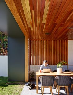 Post Post-War House by Shaun Lockyer Architects, Brisbane Australia Weatherboard House, Outdoor Seating, Outdoor Decor, Outdoor Living Areas, House And Home Magazine, Home Renovation, Architecture Design, Outdoor Furniture Sets, Design Inspiration