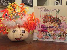 Fancy Nancy strikes again! Pumpkin Books, Diy Pumpkin, Pumpkin Crafts, Pumpkin Face Paint, Pumpkin Faces, Harvest Decorations, Seasonal Decor, Halloween Boo, Halloween Ideas
