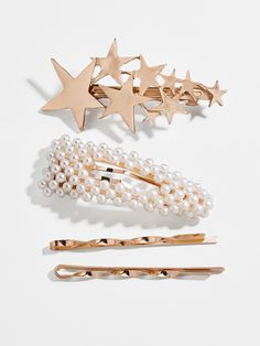 Style any 'do with this impeccably chic hair clip set. Featuring a star-embellished clip, a pearl-embellished clip, and a set of gold bobby pins, this glam trio is ideal with any outfit palette. Face Shape Hairstyles, Haircuts For Fine Hair, Fancy Hairstyles, Straight Hairstyles, Glass Candy, Half Top Knot, Accesorios Casual, Long Hair Cuts, Thin Hair