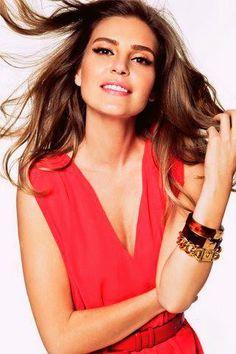 ASLI ENVER Rose City, Beauty Book, Turkish Beauty, Turkish Actors, Actress Photos, Actors & Actresses, Beautiful Men, Dj, Bride