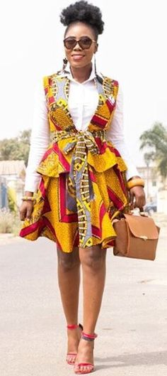 First of all, have a trip through the interesting Latest Ankara Fashion Styles for 2017 that are winning hearts and making the eyeballs stalk. African Dresses For Women, African Print Dresses, African Attire, African Wear, African Women, African Prints, African Outfits, African Fashion Ankara, Ghanaian Fashion