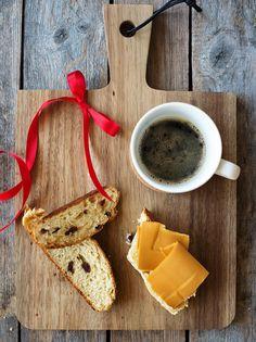 Slik lager du perfekt julekake   Coop Marked Dairy, Bread, Cheese, Food, Brot, Essen, Baking, Meals, Breads