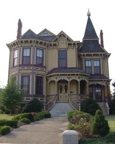 "Thomas House ""Mansion on Main"" circa 1889, Smithfield, VA."