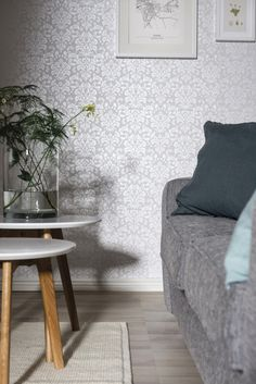 The wallpaper Satin - from Duro is a wallpaper with the dimensions x m. The wallpaper Satin - belongs to the popular wallpaper collectio Decor, Grey Flooring, Wallpaper Bedroom, Grey Wallpaper, Medallion Wallpaper, New Homes, Home Decor, Gray Bedroom, Popular Wallpaper