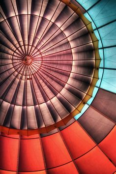 'Hot Air Balloon 202' (2012) by photographer Greg Thow. via 500px