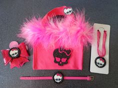 Hot Pink Monster High Purse Necklace Hair bow. Party favor kit