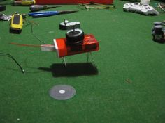 Two Simple Robots With 1 DC Motor (No Soldering)