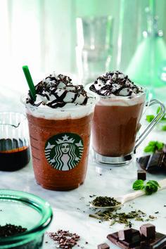 Starbucks Drinks, Starbucks Coffee, Coffee Drinks, Coffee Photography, Dessert Drinks, Mint Chocolate, Coffee Recipes, Food Design, Milkshake