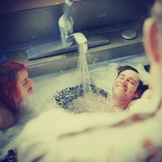 "Eternal Sunshine of the Spotless Mind - Michel Gondry [2004]""I love being bathed in the sink."""
