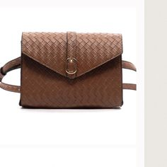🎊🎉HOST PICK🎉🎊Brown Woven Waist Bag Faux Leather, Magnetic Closures, Gold tone hardware.  ️NWOT Bags