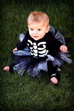 Baby Halloween Tutu Costume - Skeleton  I have an almost identical onesie that Calixto used as his 1st halloween costume. Now a I have a way to girl it up if I have a daughter!