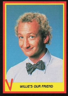 V trading card - Willie's our friend (Robert Englund)