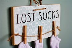 Adorable Lost Sock Sign for Laundry Room