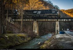 RailPictures.Net Photo: NS 8040 Norfolk Southern GE ES44AC at Phelps, Kentucky by Peter Lewis