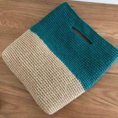 Crochet Clutch, Crochet Handbags, Crochet Purses, Crochet Bags, Crochet Cross, Love Crochet, Diy Crochet, Crochet Designs, Crochet Patterns