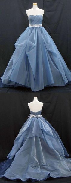 Sweetheart neck deep blue tulle long A-line formal prom dress with lace belt Sweetheart neck deep blue tulle long A-line formal prom dress with lace belt Pretty Outfits, Pretty Dresses, Blue Dresses, Beautiful Dresses, Prom Dresses, Formal Dresses, Colored Wedding Dresses, Wedding Gowns, Modelos Fashion