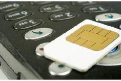 Lorsqu'on achète son téléphone auprès d'un opérateur, celui-ci le bloque, le rendant inutilisable avec une autre carte SIM. Vous souhaitez changer d'opérateur sans changer de téléphone ? Il va alors falloir procéder au désimlockage. Marche à suivre.