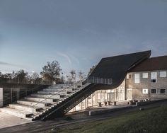 Sophus Søbye Arkitekter, WE Architecture, Rasmus Hjortshøj · Mariehøj Kulturcenter · Divisare
