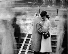"""Addio"": la bellissima e struggente poesia di Josif Brodskij   RestaurArs Anima Mundi, Love Connection, Charles Bukowski, Instagram Images, Instagram Posts, Life Inspiration, Insta Saver, Hug, Thoughts"