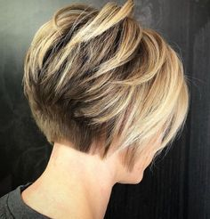 Short Stacked Bronde Bob For Thick Hair - Hair Style Bob Haircuts For Women, Short Hairstyles For Thick Hair, Haircut For Thick Hair, Short Bob Haircuts, Teen Hairstyles, Curly Hair Styles, Wedding Hairstyles, Layered Hairstyles, Medium Hairstyles