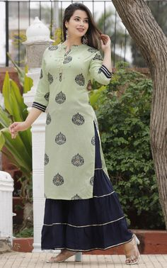 Indian Bollywood Women's Kurta kurti With Skirt Dress + Free Gift Stylish Dress Book, Stylish Dresses, Simple Dresses, A Line Skirt Outfits, Simple Kurta Designs, Dress Indian Style, Indian Wear, Classy Outfits, Formal Outfits