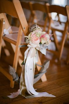 Photography: Meredith Perdue - meredithperdue.com Planning + Design: Maine Seasons Events - maineseasonsevents.com Floral Design: Flora Fauna - florafaunaweddings.com  Read More: http://www.stylemepretty.com/2013/02/14/maine-barn-wedding-from-maine-seasons-events/