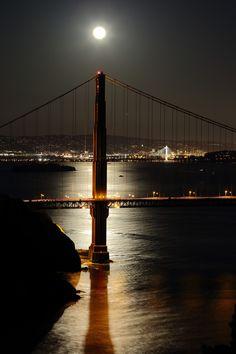 breathtakingdestinations:  Golden Gate Bridge - San Francisco - California - USA (byDon McCullough)