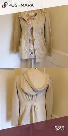 🐧5 for $35🐧 GB sweatshirt jacket 🎀 Sweatshirt jacket  🎀 gently used 🎀 nude 🎀Please ask for additional pictures, measurements, or ask questions before purchase 🎀No trades or other apps. 🎀Ships next business day, unless noted in my closet  🎀Reasonable offers accepted through the offer button 🎀Five star rating 🎀Bundle for discount Gianni Bini Jackets & Coats