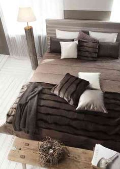 Kaipaatko kaveria kylmiin iltoihin? Tässä yksi ehdotus: SOOLO torkkupeite ja tyyny. #lennol #autumn #winter
