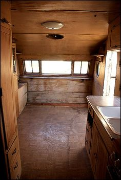Vintage Travel Trailers, Vintage Campers, Travel Trailer Living, Airstream Living, Nautical Interior, Trailer Interior, Popup Camper, Wood Interiors, Camper Trailers
