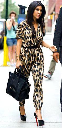 Kourtney Kardashian seen wearing leopard print jumpsuit and Celine handbag in NYC Estilo Kardashian, Kardashian Style, Kardashian Fashion, Kardashian Kollection, Kourtney Kardashian Body, I Love Fashion, Passion For Fashion, Womens Fashion, Fashion Trends