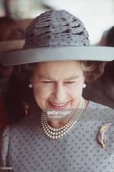 The Queen In India Wearing A Hat By Frederick Fox And Dress By Fashion Designer Hardy Amies. God Save The Queen, Hm The Queen, Royal Queen, Her Majesty The Queen, Elizabeth Philip, Queen Elizabeth Ii, Diana, Queen And Prince Phillip, Queen Hat