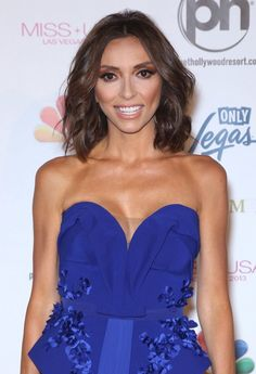 Giuliana rancic ditches her hair extensions at the oscars love her brunette bob pmusecretfo Gallery