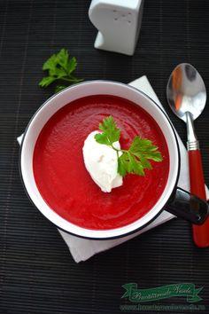Supa crema de sfecla rosie este o supa plina de vitamine cu o savoare si o aroma deosebita!! Nu prea am mancaruri cu sfecla rosie dar imi place mult salata cu sfecla rosie si pere sausalata de sfecla rosie si hrean alaturi de o friptura de miel , in special , dar la fel de
