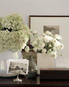 Ranunculus, hydrangeas and black and white photos//