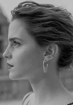 Emma Watson 'Beauty And The Beast' BTS Premiere in LA. Pinned by @lilyriverside
